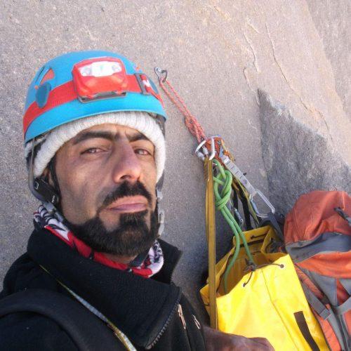 صعود انفرادی (سُلو) مسیر احسان علم کوه