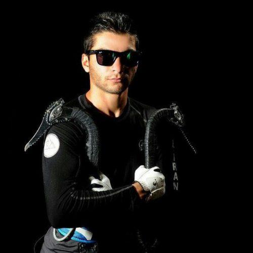 راهیابی محمدرضا صفدریان به مرحله نیمه نهایی مسابقات یخ نوردی سوئیس